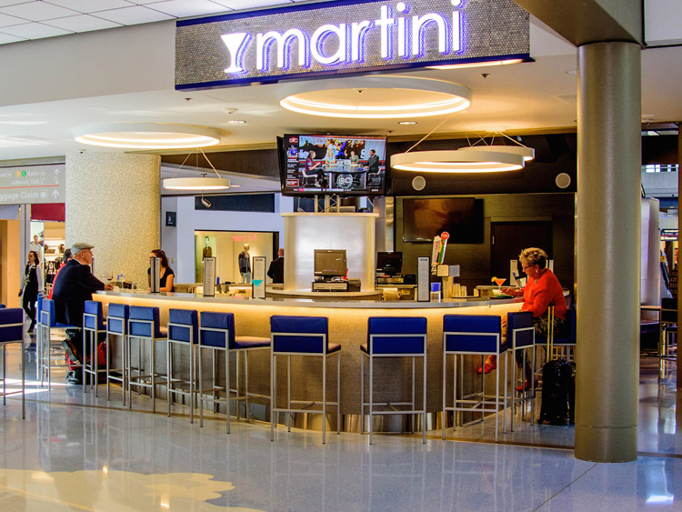 Martini-Bar-led-lighting-solutions-Pittsburgh-International-Airport-2